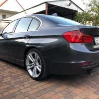 BMW widok z lewego boku